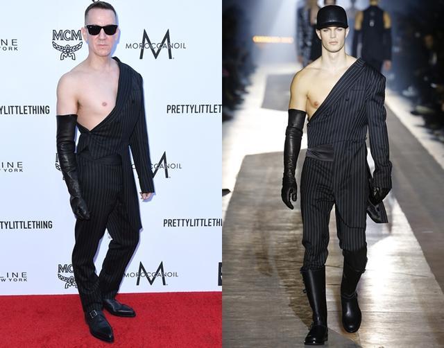 画像: 自身がデザインしたモスキーノの2018年秋冬メンズウェア・コレクションからの個性的なスーツを着用。右はランウェイの写真。