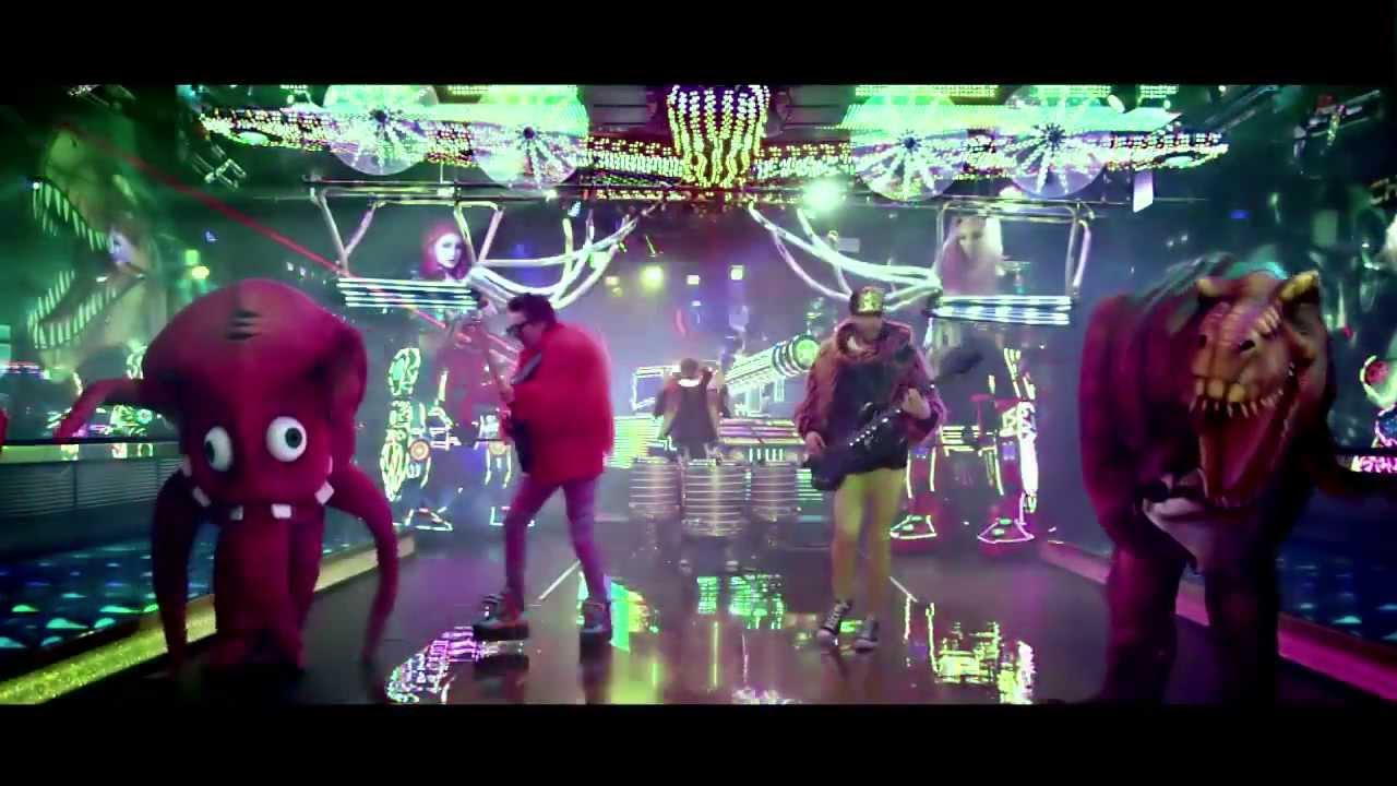 画像: Muse - Panic Station (Official Video) www.youtube.com