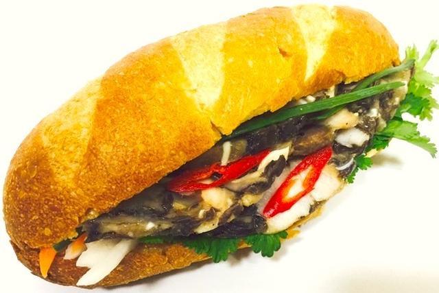 画像: Bánh mì Giò Thủ(バインミージョートゥー)550円(税込)※予定