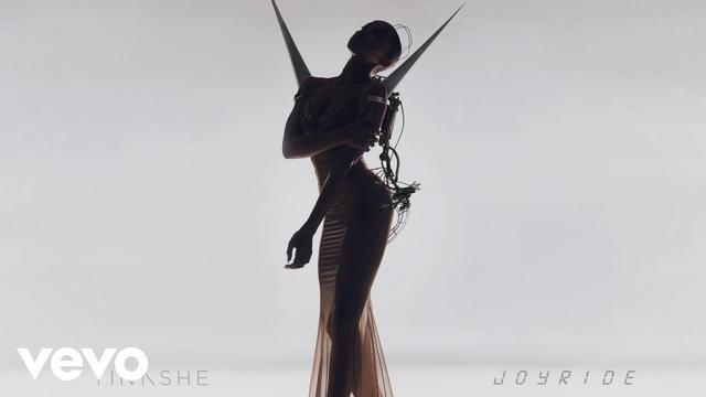 画像: アルバムの中でもお気に入りの曲だという「スタック・ウィズ・ミー」 www.youtube.com