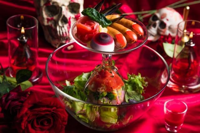 画像: 特製魚介とトマトの冷製パスタパフェ ビューティーサクリファイス〜美を司る悍ましき生け贄~ 1,280円