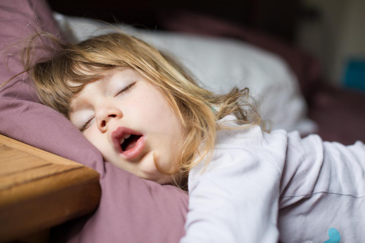 画像1: 3.枕カバーは滑りやすい素材を選んで
