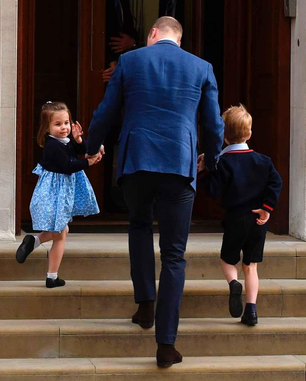 画像4: シャーロット王女、2歳とは思えない神対応をみせる