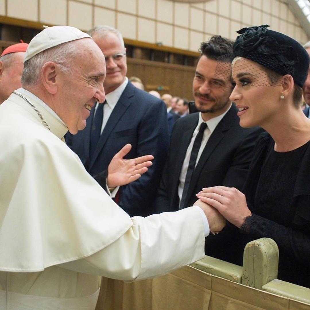 """画像1: KATY PERRY on Instagram: """"Honored to be in the presence of His Holiness @franciscus' compassionate heart and inclusivity. Thank you to @meditationbob and…"""" www.instagram.com"""