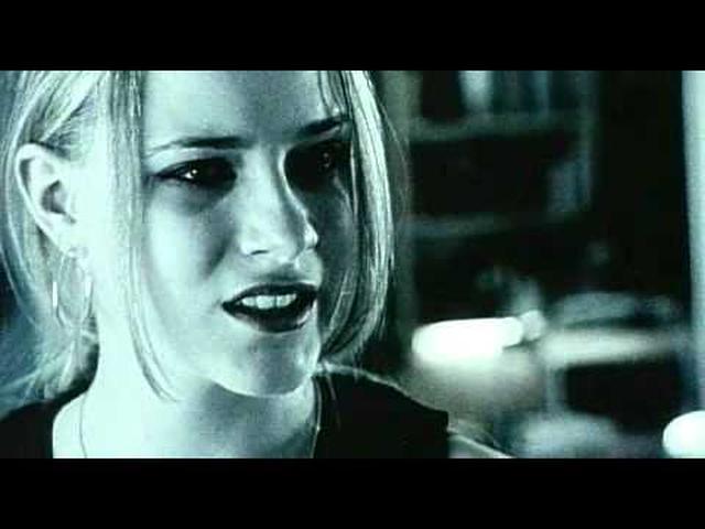 画像: サーティーン -あの頃欲しかった愛のこと- 予告編 -Thirteen- www.youtube.com