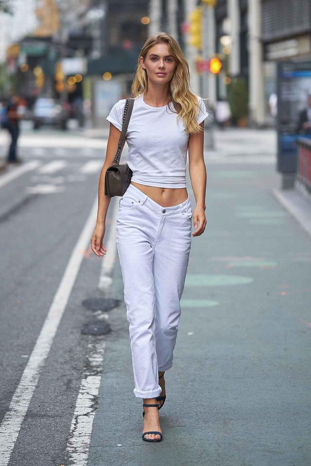 画像3: 海外セレブに学ぶ、白Tシャツのコーディネート集