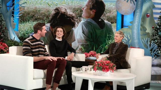 画像: Armie Hammer and Timothée Chalamet Talk Passionate First Rehearsal www.youtube.com