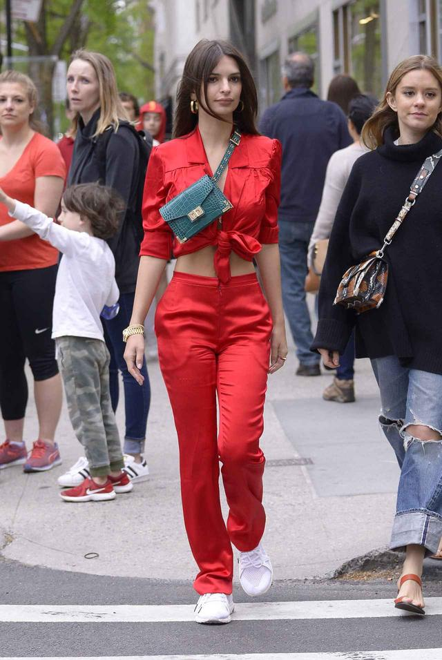 画像3: エミリー・ラタコウスキー、1週間のファッションに密着!私服からイベントまで