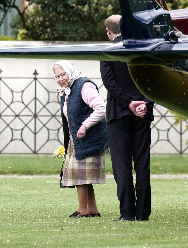 画像3: 92歳エリザベス女王が、ヘリで40分かけて会いに行った人とは?