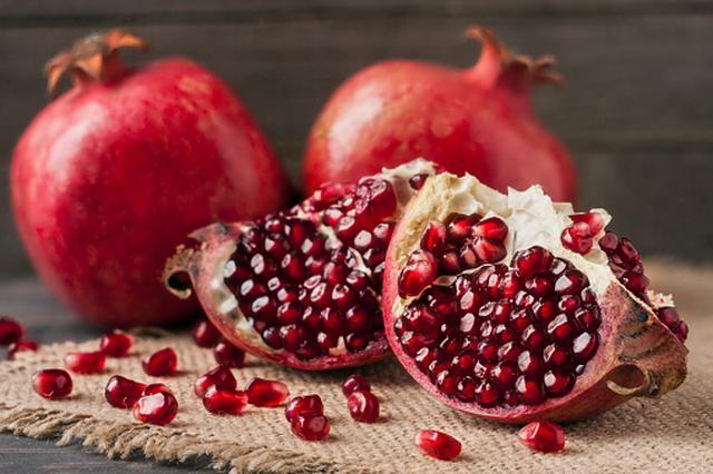 画像1: スーパーフードのザクロ×酵母の赤い発酵の恵みでインナー美人