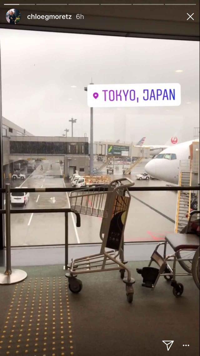 画像: 空港に到着した時の写真も公開。