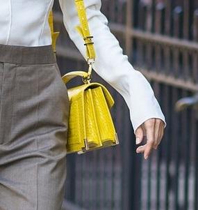 画像3: マーサ・ハント、「ネオンカラー」を取り入れたパンツスタイルで夏を先取り