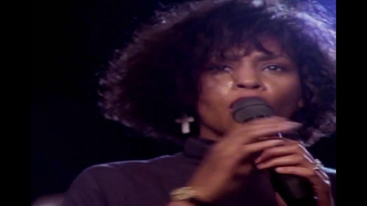 """画像: """"Whitney"""" Official Documentary USA Trailer 2018 www.youtube.com"""