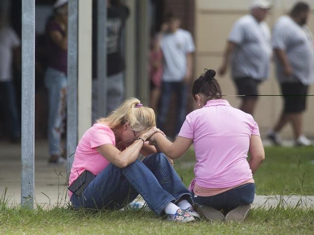 画像: 銃関連の事件が蔓延