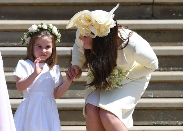 画像3: キャサリン妃、ロイヤル・ウェディングに着たドレスは過去に何度も着回していた