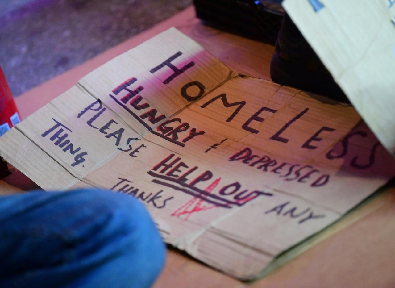 画像3: キアヌ・リーブス、ホームレスと友達になる【写真アリ】
