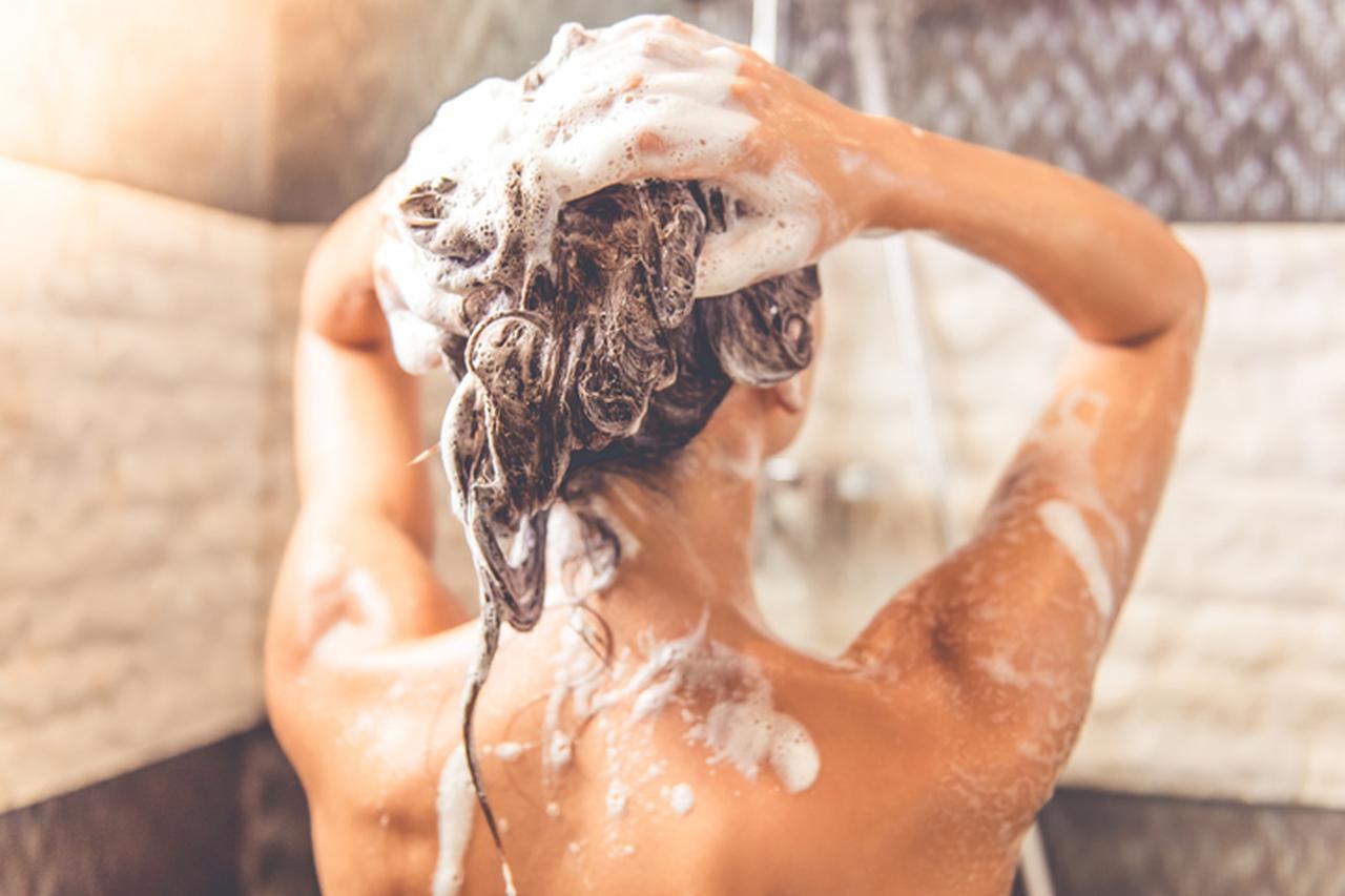 画像1: 背中のニキビを防ぐ「髪・体」の洗い方は?