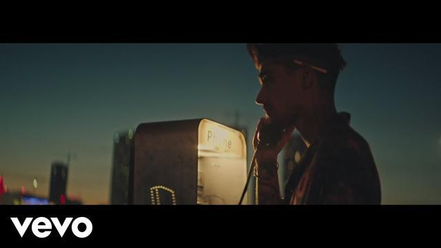 画像: ZAYN - Let Me (Official Video) www.youtube.com