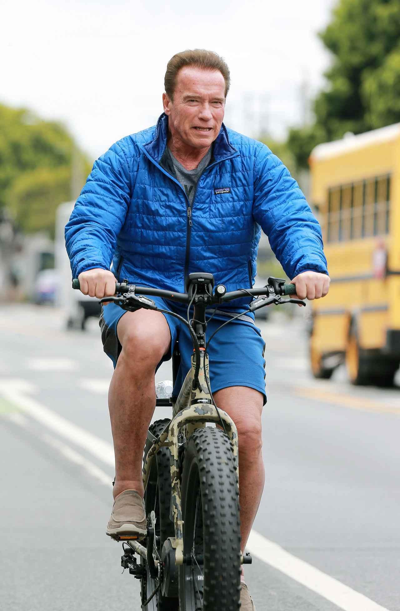 画像1: アーノルド・シュワルツェネッガーの「自転車」がイカつすぎる