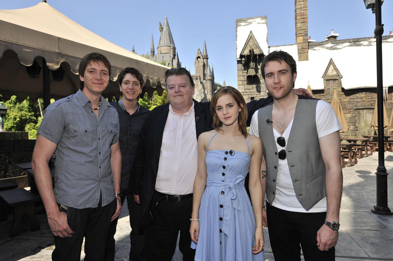 画像: 『ハリー・ポッター』の共演者らとユニバーサル・オーランド・リゾートを訪れた際のマシュー。