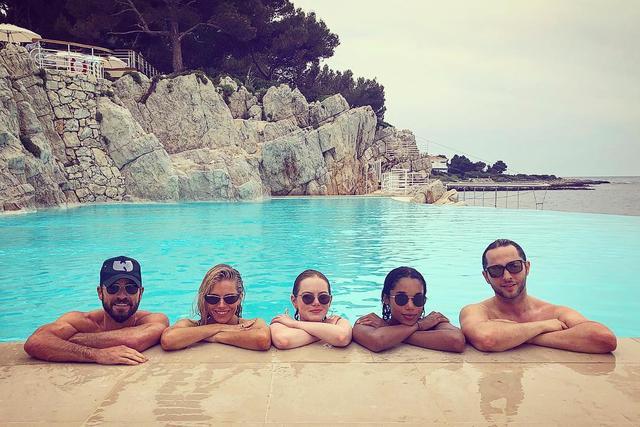 画像1: Derek BlasbergさんはInstagramを利用しています:「The first (and last) meeting of the Louis Vuitton synchronized swim team ♂️」 www.instagram.com