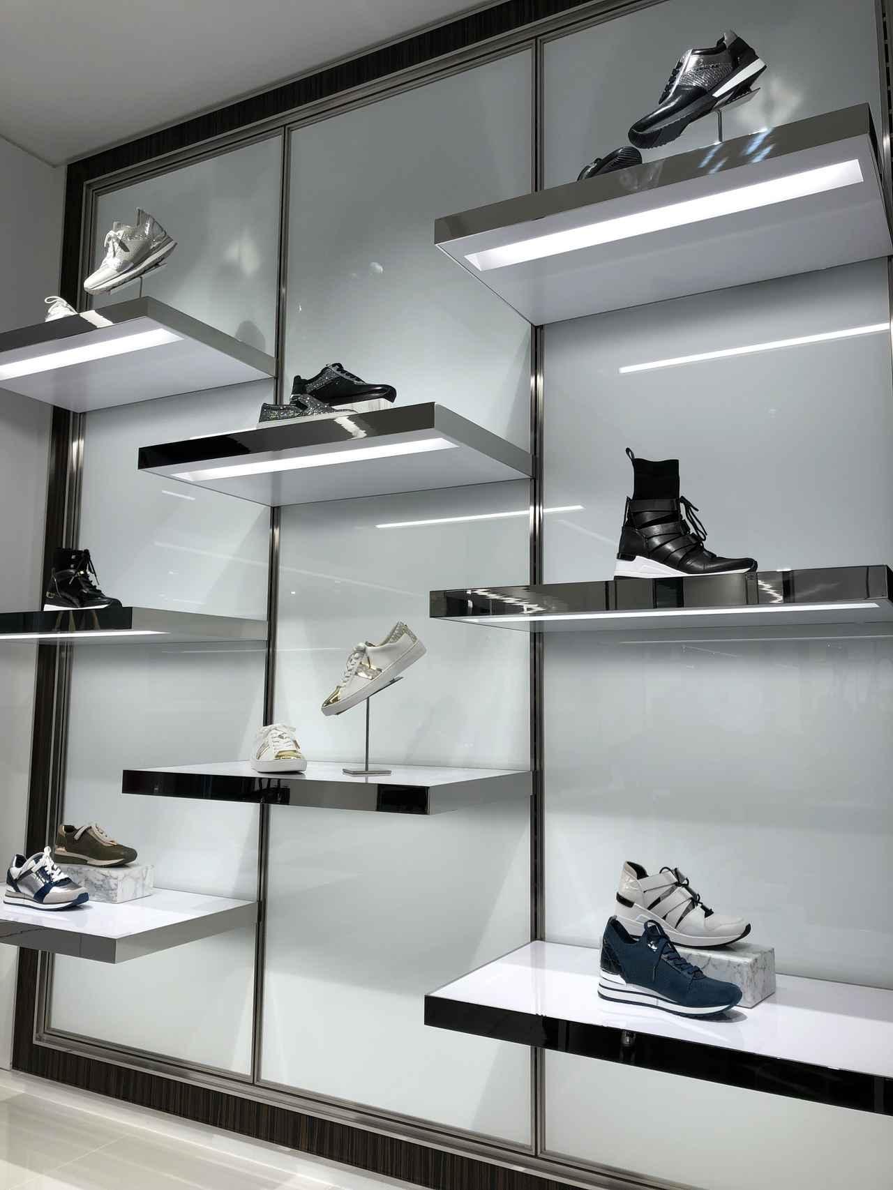 画像: マイケル マイケル・コース秋冬コレクション注目の靴はスニーカー!人気すぎて銀座旗艦店に専用サロンがオープン