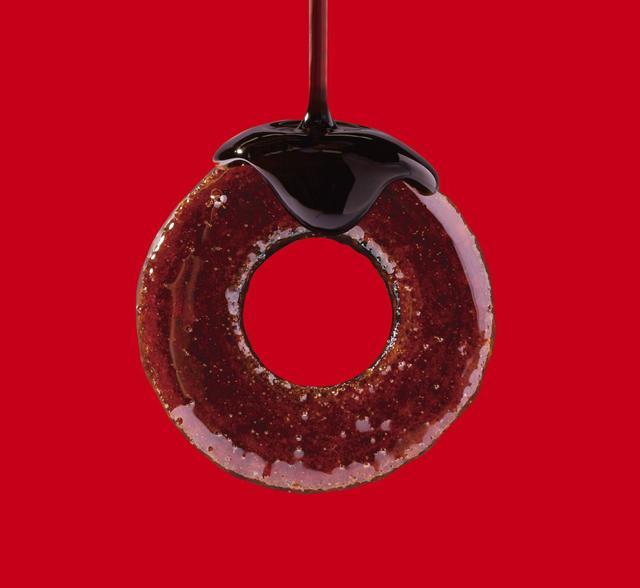 画像3: 果肉の赤いりんごのバウムクーヘンが発売