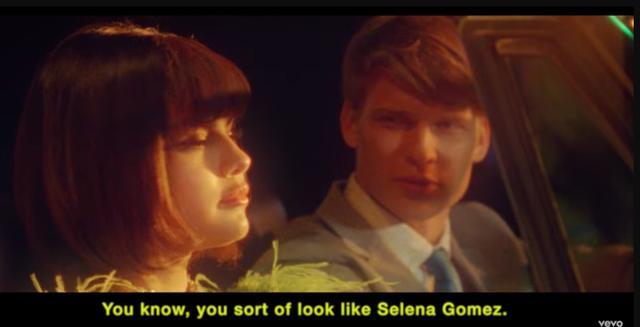 画像: セレーナ・ゴメス、「ジャスティンを連想させる」と話題の新曲MVで変顔連発