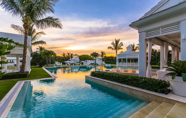 画像1: セリーヌ・ディオン、80億円の豪邸の中がヤバすぎる【写真アリ】