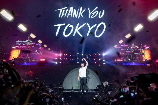 画像: 6月7日に千葉・幕張で行われた来日公演初日の会場は超満員で大盛り上がりだった。 ©Masanori Naruse