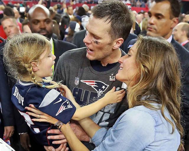 画像: 最も有名なWAGSの一人である、NFL選手トム・ブレイディの妻ジゼル・ブンチェン。