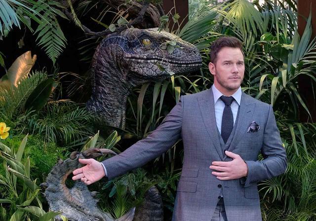 画像2: 恐竜とのツーショットも