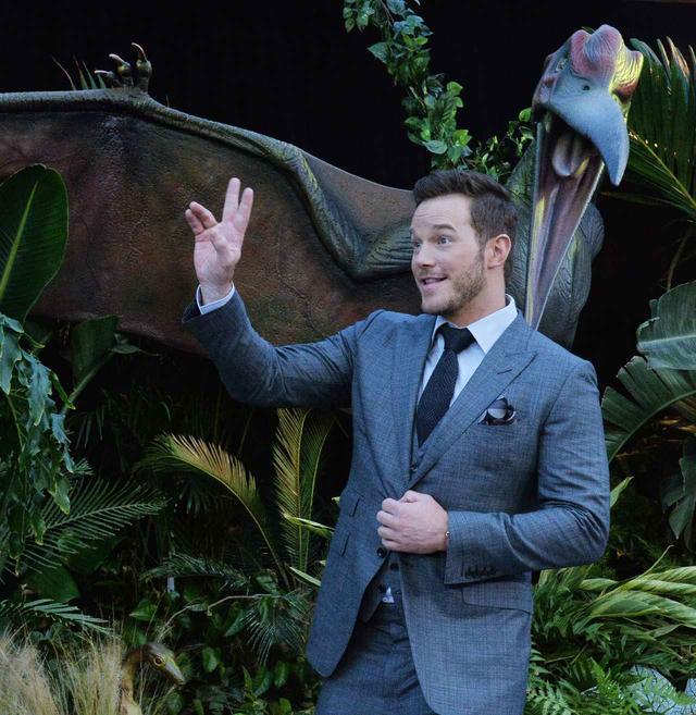 画像1: 恐竜とのツーショットも