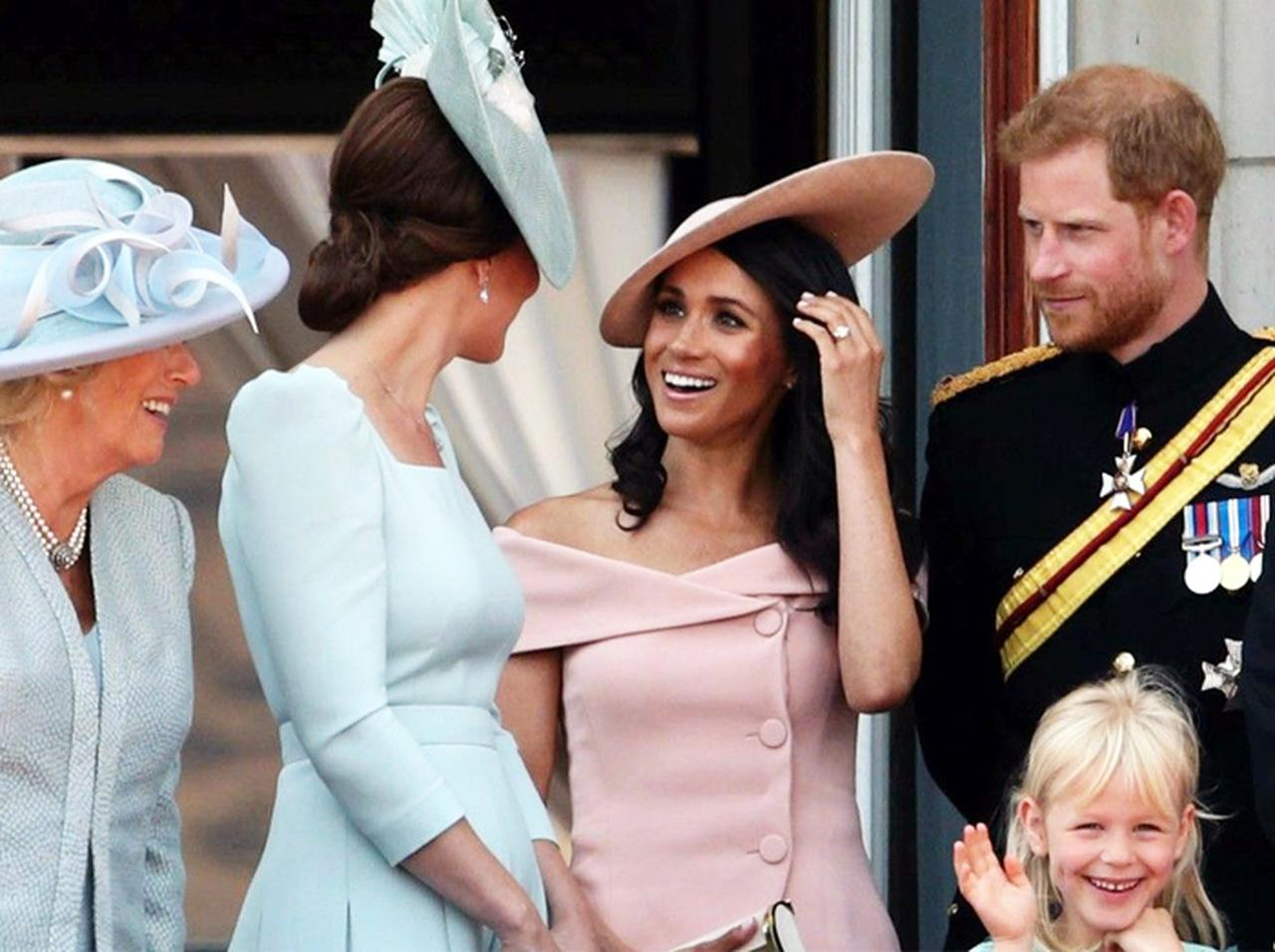 王室ルール破りがちなメーガン妃のファッションに助言している意外な人物とは?