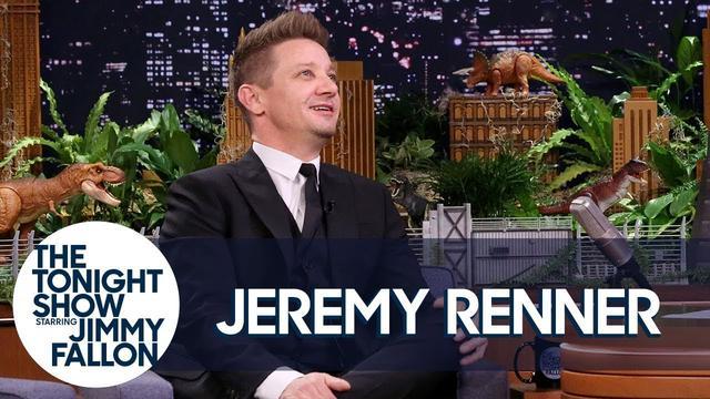 画像: Jeremy Renner and His Avengers Co-Stars Have an Epic Group Text www.youtube.com
