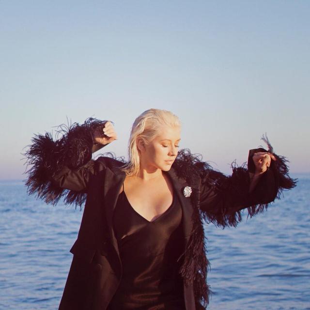 画像: パワーソングの歌姫クリスティーナ・アギレラの音楽に影響を与えた5つの出来事