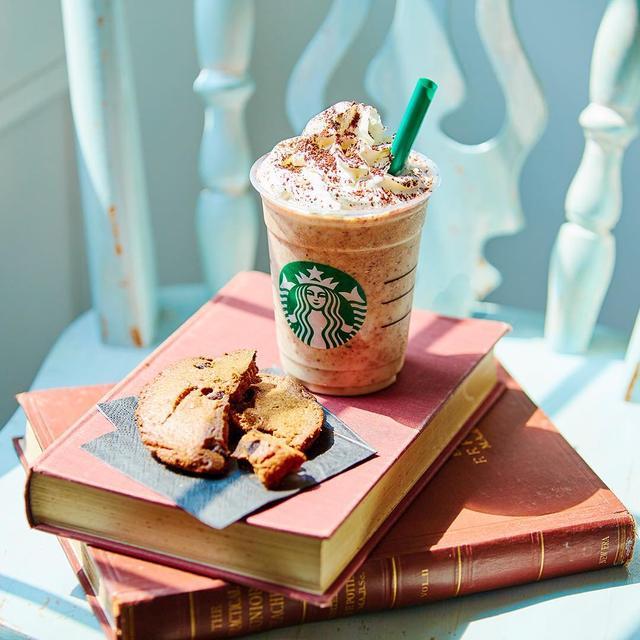 画像1: スターバックス公式さんはInstagramを利用しています:「チョコレートチップクッキーがまるまる1枚入った #チャンキークッキーフラペチーノ が3年ぶりに今日から登場???????????? #新作フラペチーノ #スターバックス」 www.instagram.com