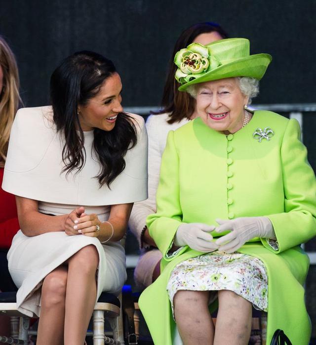 画像2: 王室に馴染むための工夫