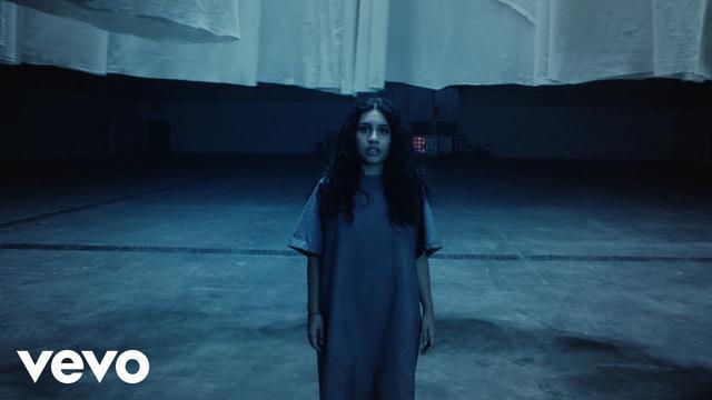 画像: Alessia Cara - Growing Pains www.youtube.com