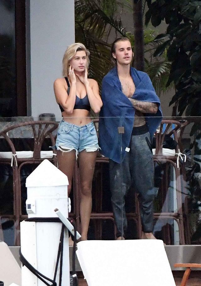 画像: マイアミで久々にツーショットを撮られた時のジャスティンとヘイリー。