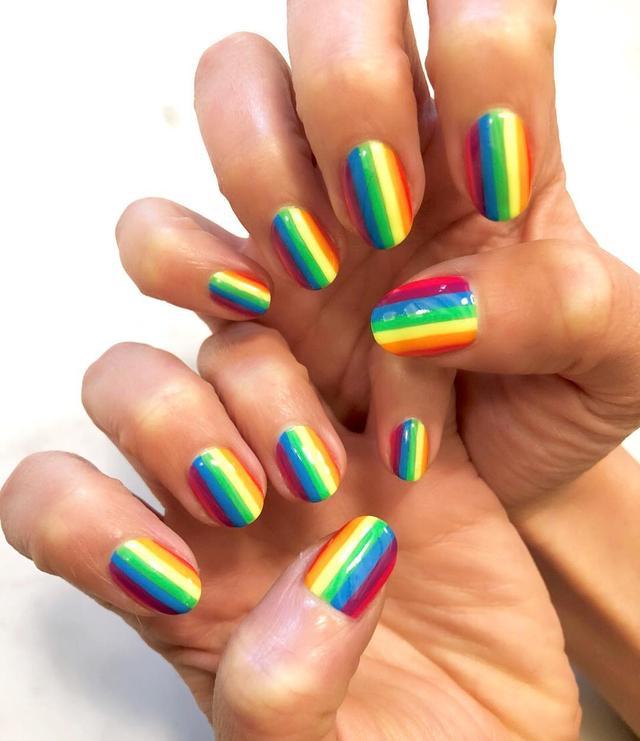 画像1: NAILS by MEIさんはInstagramを利用しています:「Pride stripe  @itsmesamwass #nailsbymei #handpainted #nailart #pride #rainbow」 www.instagram.com