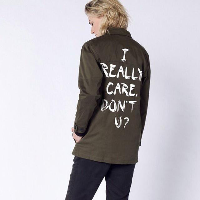 画像: ©Wildfang https://www.wildfang.com/ultimate-wf-army-jacket.html