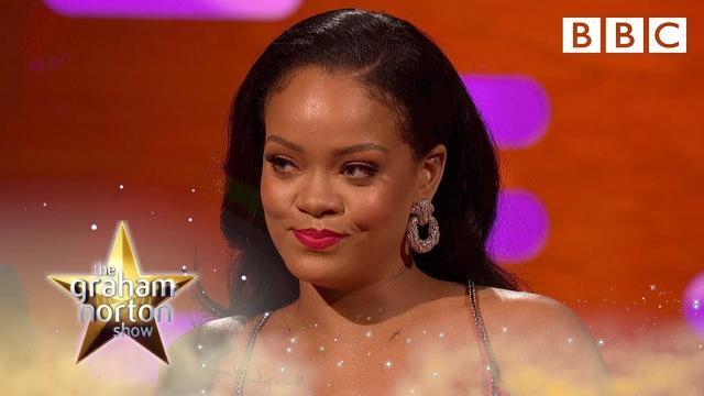 画像: Why Rihanna keeps stealing wine glasses from nightclubs - BBC www.youtube.com