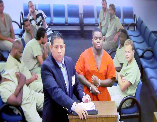 画像2: 20歳ラッパーXXXTentacionの射殺事件、顔面タトゥーの男を逮捕