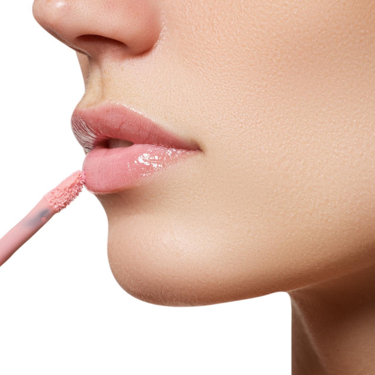 画像: リップグロスでの唇の乾燥も解決!「アレ」さえあれば潤いたっぷりの唇に