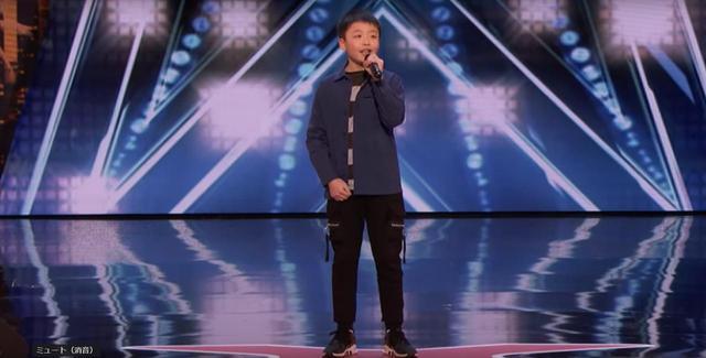 画像1: 米人気オーディション番組に「バケモノ級」の歌声を持つ13歳が登場