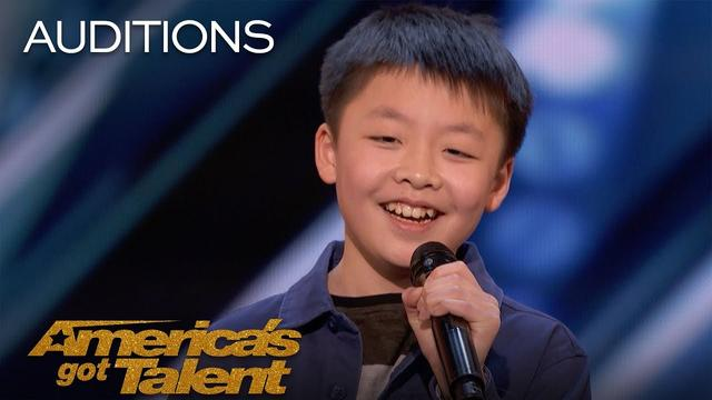 画像: Jeffrey Li: 13-Year-Old Sings Incredible Rendition Of 'You Raise Me Up' - America's Got Talent 2018 www.youtube.com