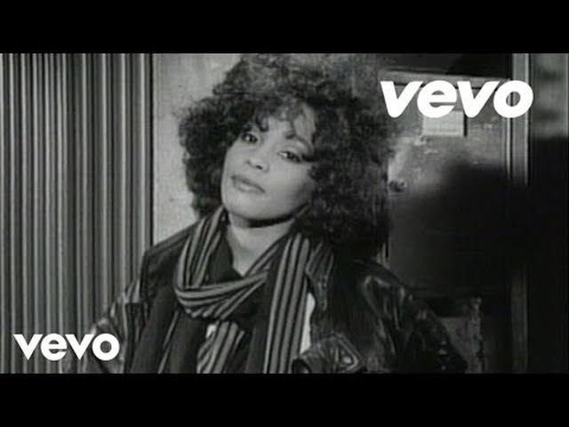 画像: Whitney Houston - I Wanna Dance With Somebody www.youtube.com