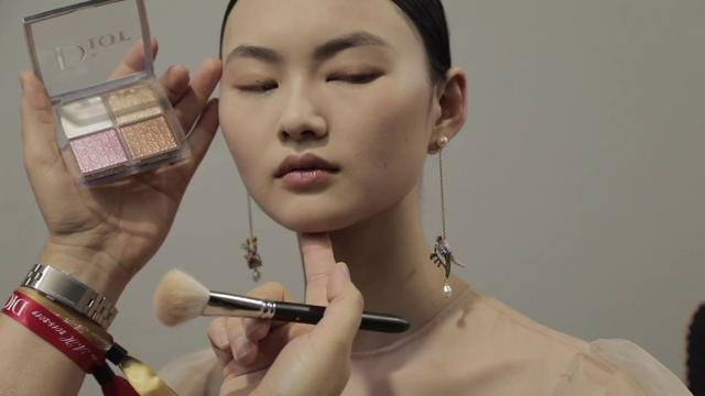 画像: Dior Makeup Backstage – Dior Couture Autumn-Winter 2019 youtu.be