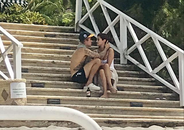 画像: ジャスティンとセレーナは2017年に復縁し、2018年2~3月頃まで交際を続けた。